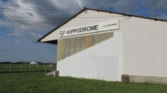 2016.05.06.BoisAnzeray.HippodromeLeSap.x